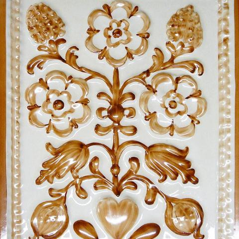 Bild: K 223 · Glasur 904 braun dekoriert