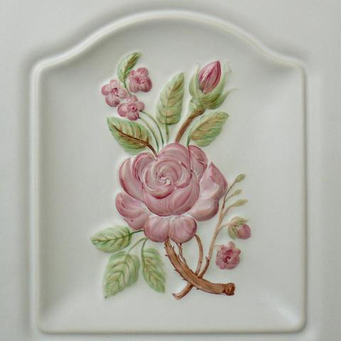 Bild: K 200 · Glasur 510 Motiv »Rose« bunt dekoriert